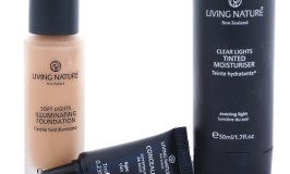 Amazing, All Natural,  Living Nature Liquid Mineral Foundation, Tinted Moisturizer & Concealer Review