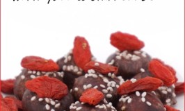 organic macadamia nuts in cacao toffee with goji berries and chia seeds