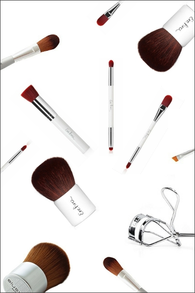 How To Correctly Clean Makeup Brushes - Living Safe